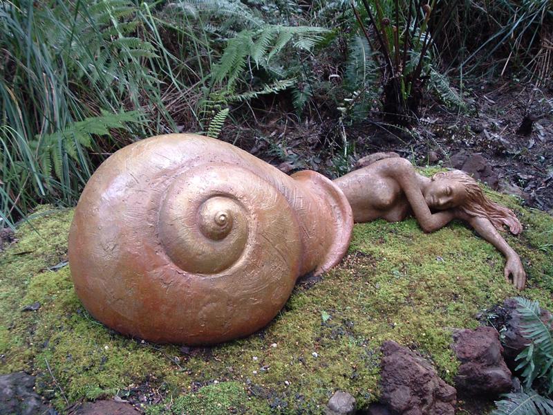 rzezba-w-ogrodzie-bruno-slimak
