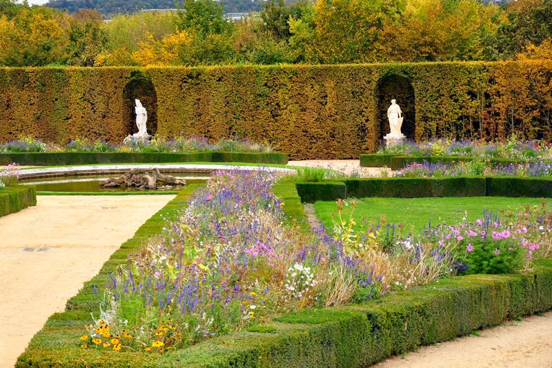 Ogrody Wersalu jesienią
